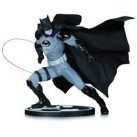 BATMAN BLACK & WHITE STATUE BY IVAN REIS