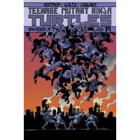 TMNT ONGOING TP VOL 19 INVASION OF THE TRICERATONS - Kevin Eastman, Tom Waltz